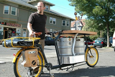 Hopworksfiets - portland beer pizza cargo bike_Flickr_Elly Blue